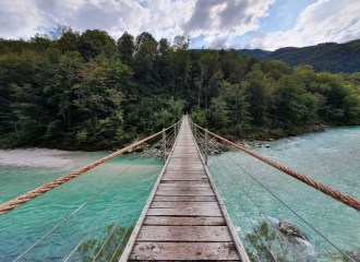 Slowenien Rundreise Route: Brücke über den Soca River