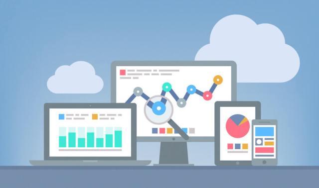 Ilustração de laptop, monitor, tablet e celular mostrando diferentes gráficos em suas telas.