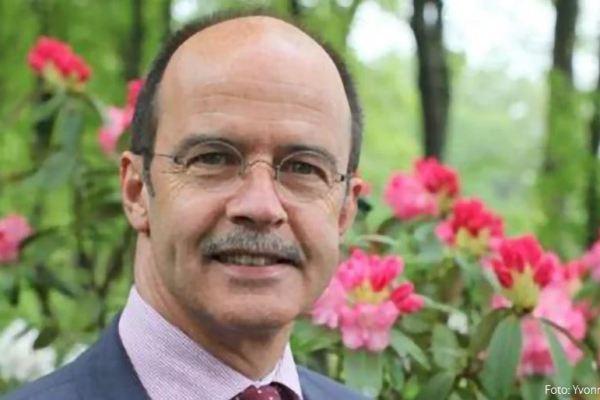 Tweede ambtstermijn voor burgemeester Alex van Hedel