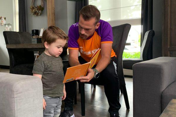 Henri Verhoeks rent de Veluwe Marathon voor zijn neefje Gerrian en KiKa.