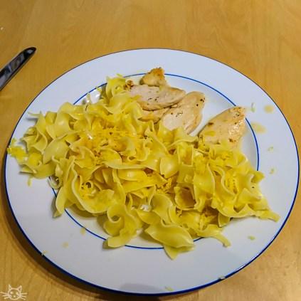 Abendessen: Zitronenhähnchen, Im Bild fehlt der Salat.