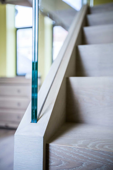 0244 glass balustrade and light wood modern staircase in NW8 London
