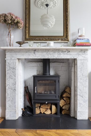 0401-chesney-stove-marble-fireplace-surround-living-room-kilburn-house-vorbild-architecture