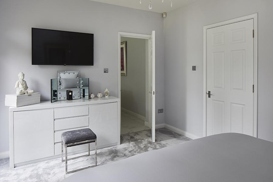 0568-master-bedroom-grey-tv-vorbild-architecture-mill-hill-41