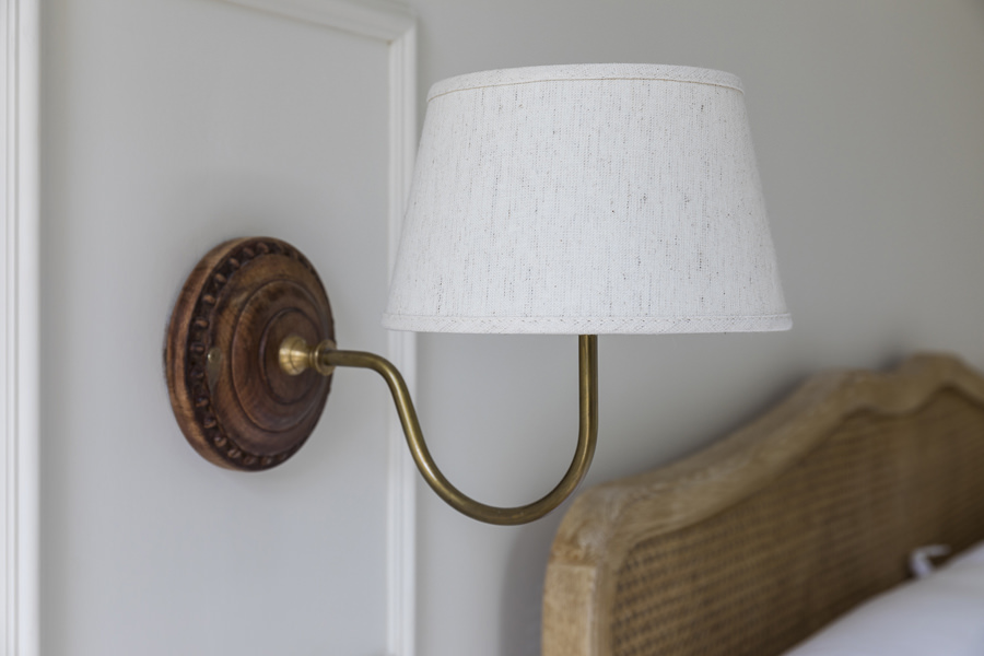 0631 bed side wall light with linen shade in wall panelling in bedroom