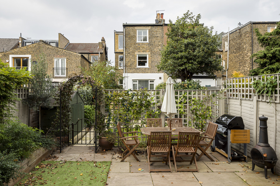 0631 london garden furniture and barbecue