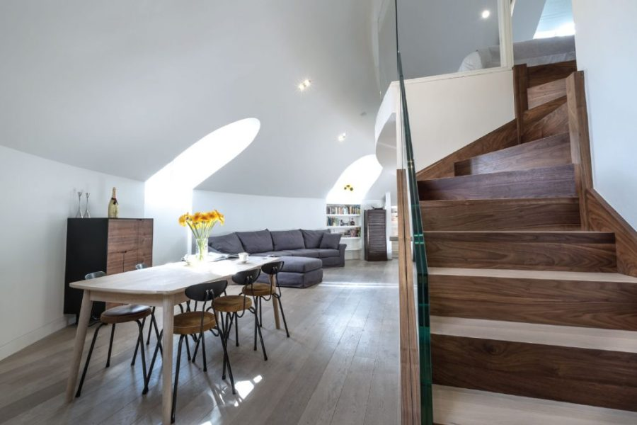 0244-Abbey-Road-church-conversion-penthouse-vorbild-architecture-mezzanine-living-room-stairs