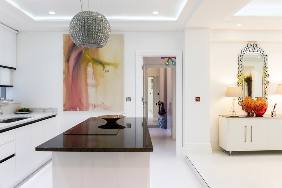 0587 elica chandelier extractor and brown marble kitchen worktop in portland place london