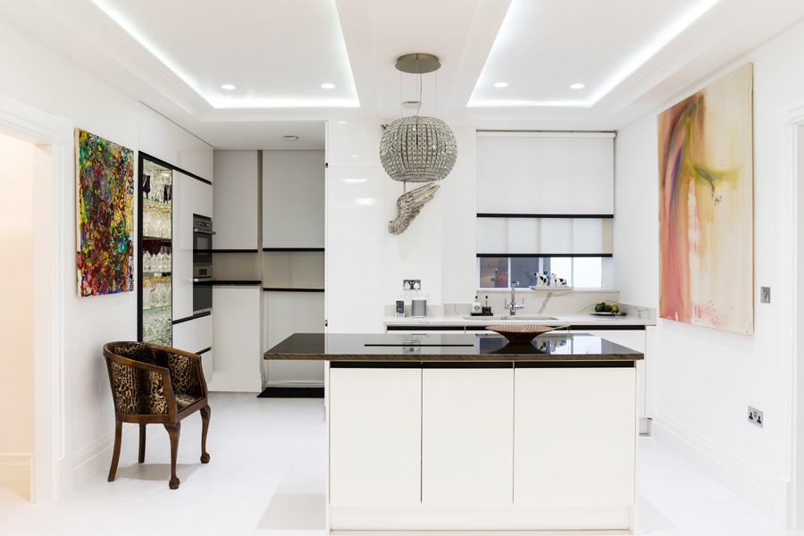 0587 small luxury kitchen with elica extractor white high gloss units in portland place london