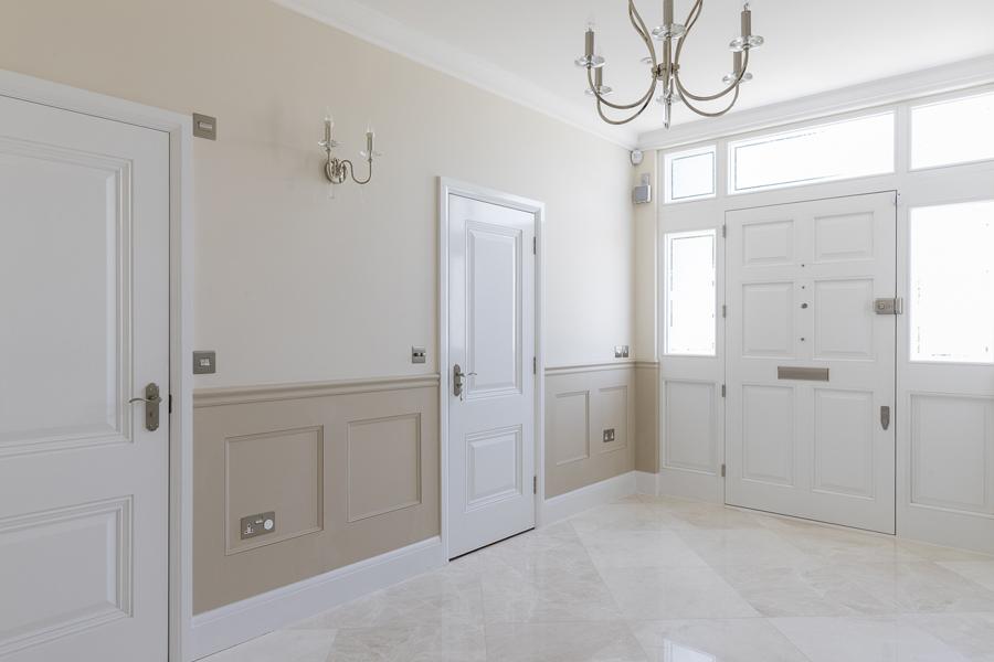 600-white-beige-entrance-hall-vorbild-architecture-crickelwood-15