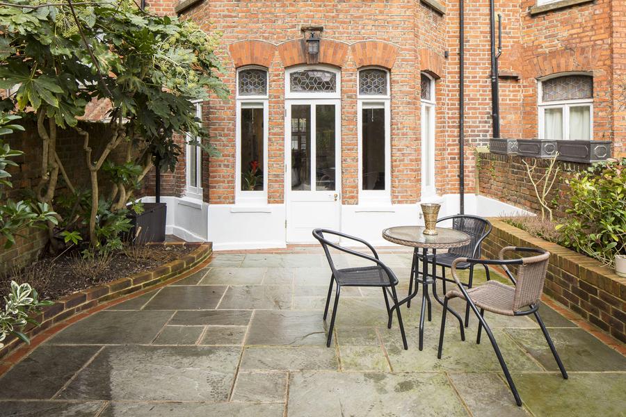 0736-west-hampstead-garden-apartment-vorbild-architecture-30