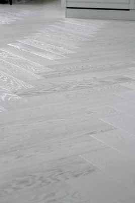 5. flooring-white-wood-vorbild-architecture-13CSI-intro