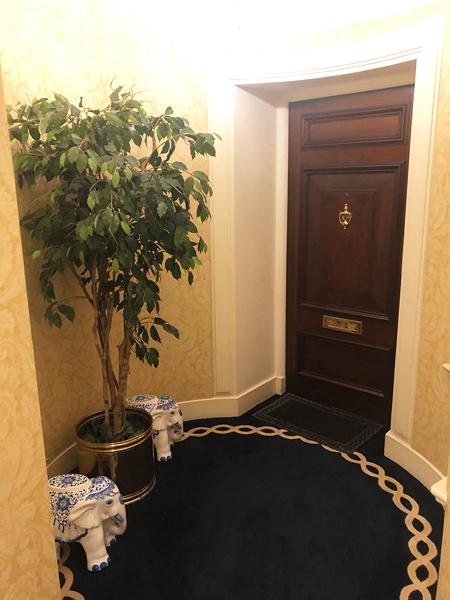 0941-Magnificent-apartment-overlooking-Baker-Street-vorbild-architecture-003-1