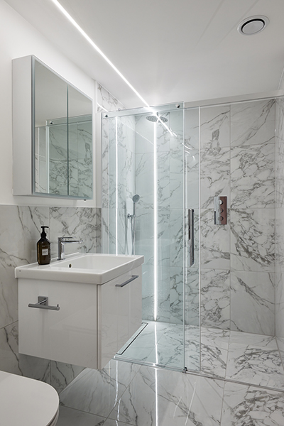 marble ensuite shower room townhouse