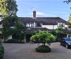 0745 Außen- und Innensanierung sowie Erweiterung eines schönen Einfamilienhauses in Bickley