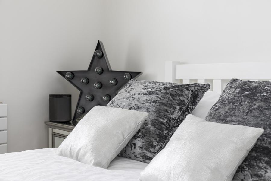0605 - Complete refurbishment of a House in Hammersmith vorbild-architecture-kitchen-white-grey-bedroom-18