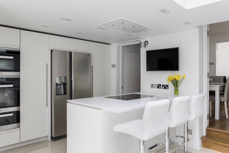 0605 - Complete refurbishment of a House in Hammersmith vorbild-architecture-kitchen-white-roundhouse-29