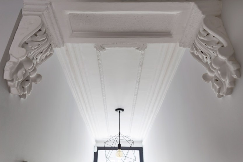 0401-hallway-cornice-nw6-vorbild-architecture
