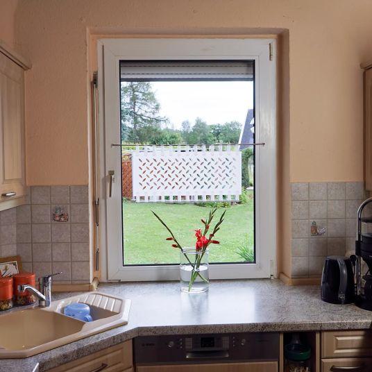 Kundenfoto Kurzgardine Lasercut Muster ECU Stoffart BURTON 9016