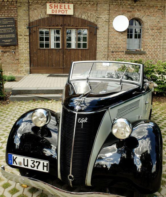 Ford Eifel_Schloss_Dyck_2013.jpg