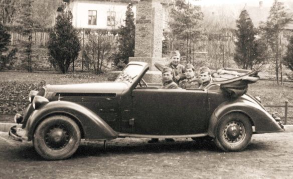 steyr_220_cabriolet_1937-41_wh_galerie
