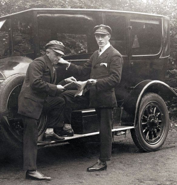 benz_14-30_ps_oder_21-50_ps_1926_chauffeure