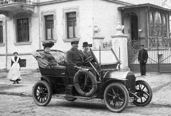 Opel_6-12_PS_Doppel-Phaeton_Ak_von_1910_Ausschnitt