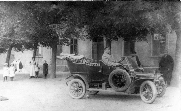 Adler_Kleinauto_4-8_oder_5-9_PS_um_1907_Galerie