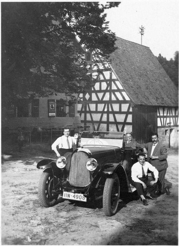 Stoewer_D9V_oder_12V_Grünsberg bei_Altdorf_07-1930_Galerie