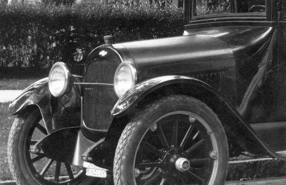 Chevrolet_FB-40_Sedan_1919-22_deutsch_beschriftet_Frontpartie