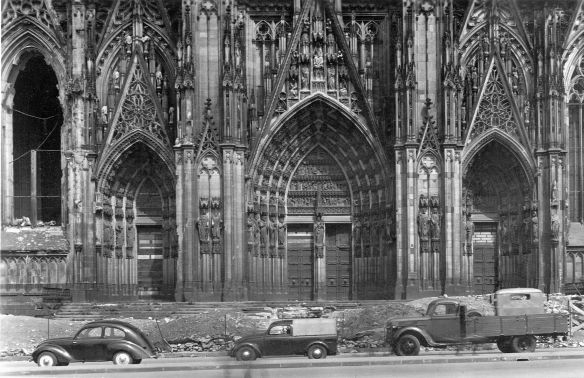 Hanomag_1.3_Liter_Köln_Ak_08-1949_Galerie