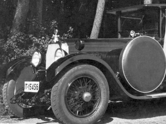 Austro-Daimler_ADM_Limousine_Frontpartie