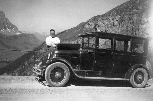 Citroen_B14_Limousine_Klausenpass_1928