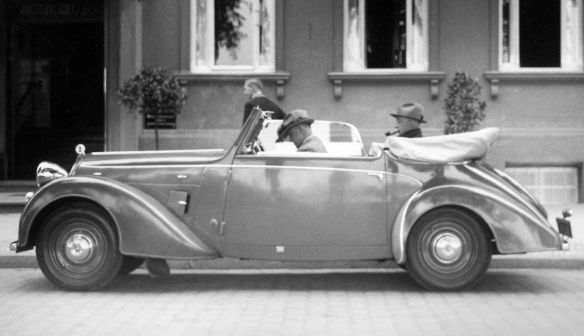 Steyr_200_Cabrio_1936-40_Galerie2