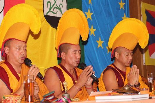 Beim Beten der Mantras