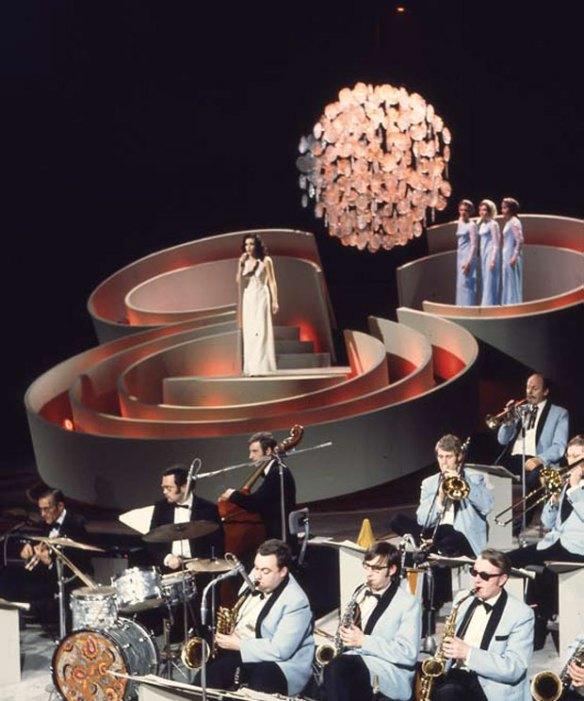 Het lichtsculptuur en decor van het Nationaal Songfestival 1969. Collectie: Beeld en Geluid