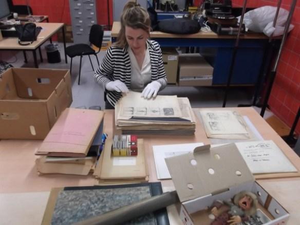 Vita Vernooij gaat aan de slag met het archief van Peter Zwart