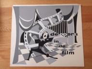 Titelkaart met illustratie en handlettering van Jan van der Does. Opera in de film zou een thema kunnen zijn in een van de afleveringen van Simon van Collem's filmprogramma De oude draaidoos. Collectie Jan van der Does