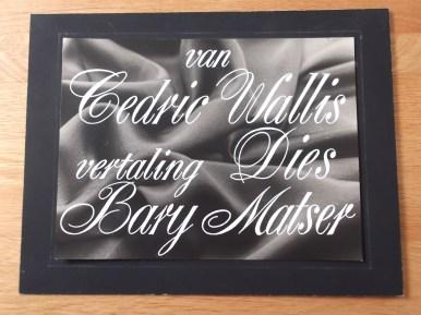 Titelkaart van Jan van der Does voor De Wiltshire diamanten (AVRO, 06-12-1955). Deze eenakter van Cedric Wallis was een van de laatste keren dat actrice Rika Hopper op de televisie te zien was, zij speelde de hoofdrol. De regie was van Walter van der Kamp. Vertaalster Dies Bary-Matser was de echtgenote van KRO regisseur Wim bary. Collectie Jan van der Does