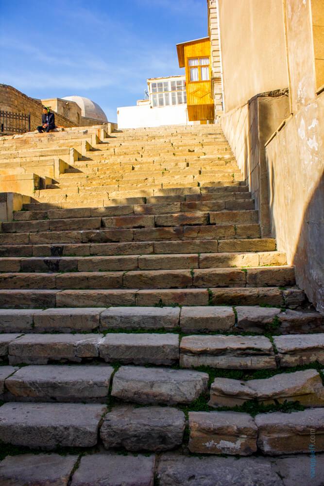 Лестница в Старом Баку