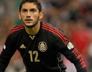 Corona brilla en el triunfo del Tri frente a Ecuador en su primer duelo de 2015