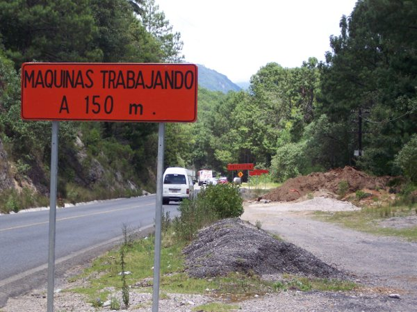 Opositores a carretera San Cristóbal-Palenque presentan documento en contra