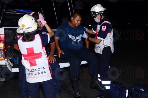 Colisiona patrulla; tres policías heridos