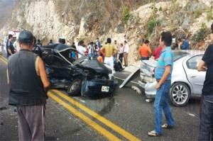 Aparatoso accidente en la Autopista Tuxtla-San Cristóbal deja seis  lesionados