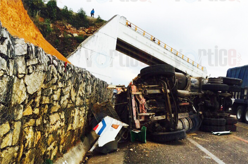 Violenta colisión en la autopista San Cristóbal-Tuxtla