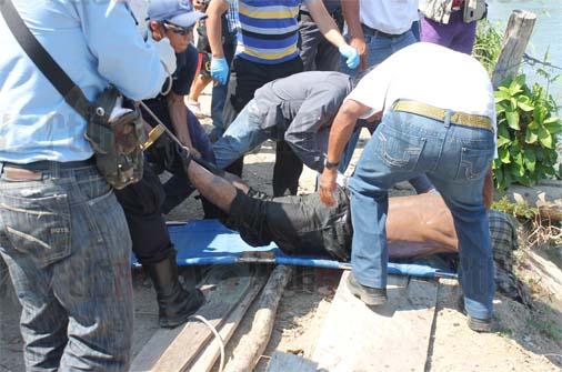 Matan a guatemalteco y lo arrojan a un arroyo