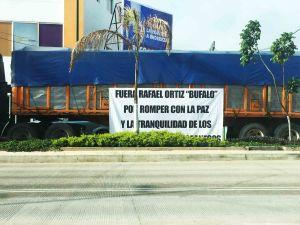 Se manifiestan transportistas en la ciudad capital