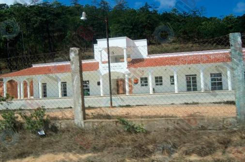Oaxaqueños queman casillas en Chiapas
