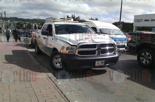 Policía acreditable encañona a camionero en Comitán