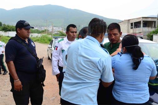 Hartos de la inseguridad, colonos intentan linchar a ladrón en Tuxtla